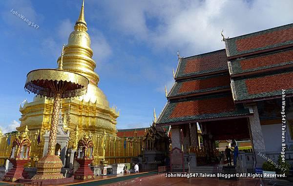 Wat Phra That Hariphunchai Lamphun17.jpg