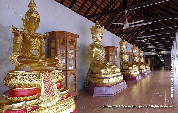 Wat Phra That Hariphunchai Lamphun18.jpg