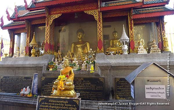 Wat Phra That Hariphunchai Lamphun21.jpg