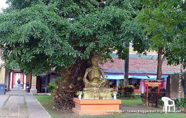 Wat Phra That Hariphunchai Lamphun25.jpg