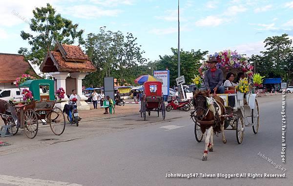 Wat Phra That Lampang Luang Lampang Horse Carriage.jpg