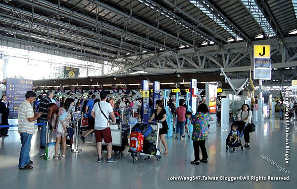 Thai Airways搭乘泰航經驗談BKK機場J.jpg