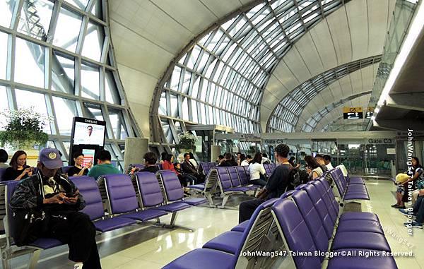 Thai Airways搭乘泰航經驗談BKK機場3.jpg