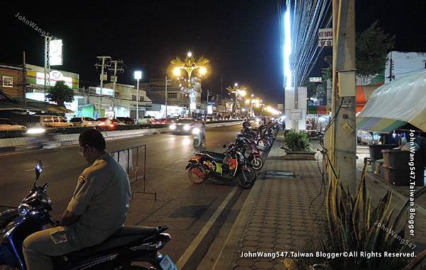 Kanchanaburi Station Night Market2.jpg