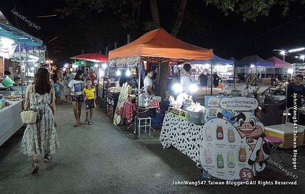 Kanchanaburi Station Night Market1.jpg