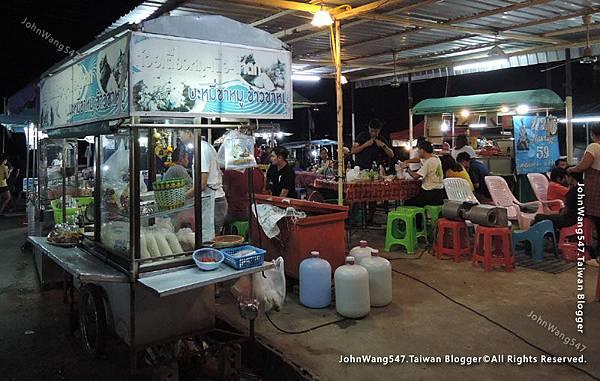 Kanchanaburi Station Night Market8.jpg