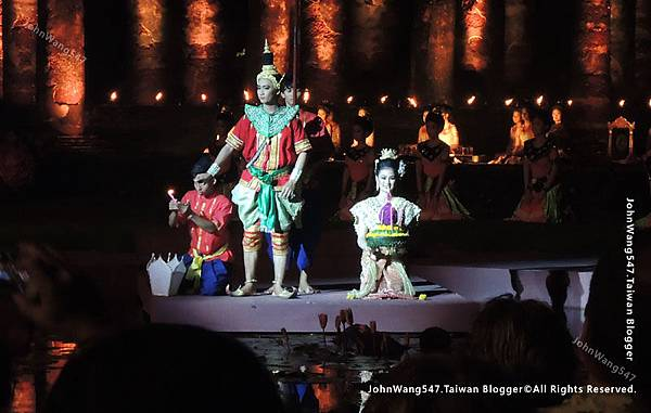 Sukhothai light show.jpg