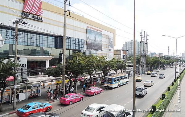 The Mall Thapra BTS Talat Phlu.jpg