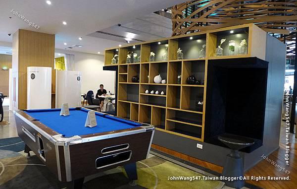 Novotel Bangkok On Siam Square pool table.jpg