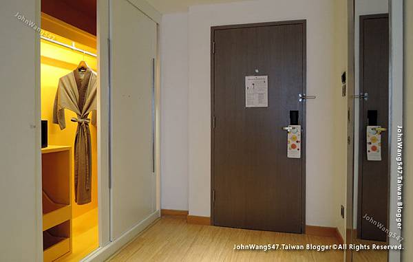 Novotel Bangkok Siam Square Hotel room2.jpg