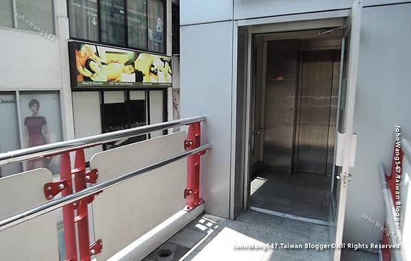 BTS捷運Siam暹羅站走6號出口電梯