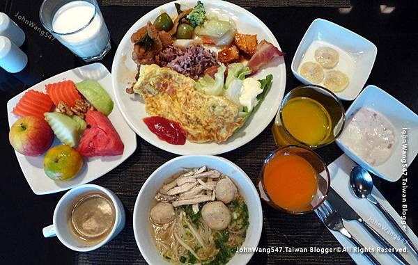 Novotel Bangkok on Siam Square Breakfast1.jpg