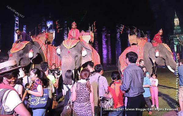 泰國大象出演歷史文化秀