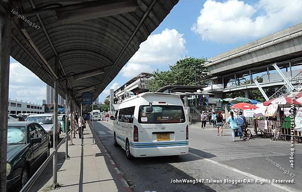 Mochit Mini Van to Ayutthaya2.jpg