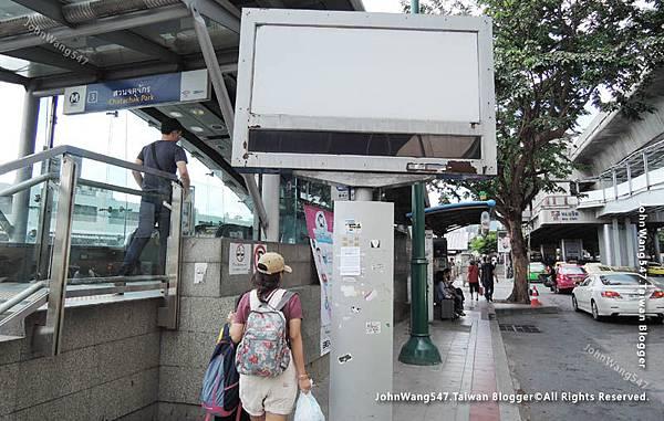 Mochit Mini Van to Ayutthaya MRT BTS.jpg