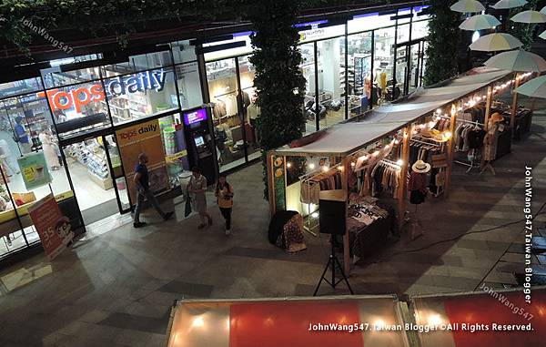 Summer Hill Tops market@BTS Phra Khanong.jpg