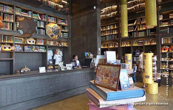 KAAN SHOW Pattaya Theatre gift shop.jpg