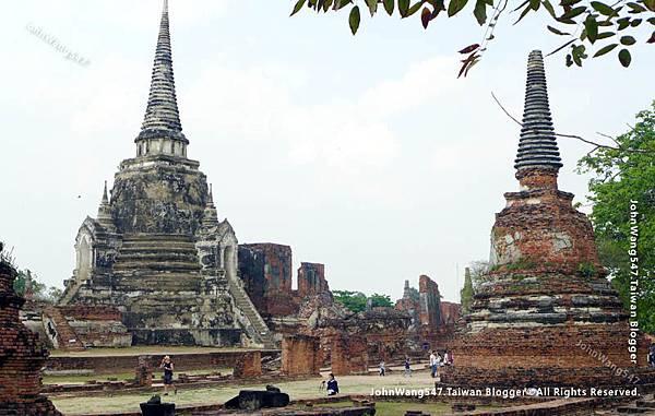 Wat Phra Si Sanphet帕席桑碧寺.jpg