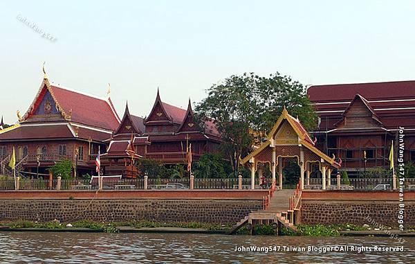 Wat Phanan Choeng三寶公寺riverside.jpg