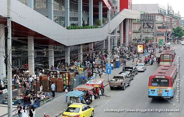 Chatuchak Playground Flea Market2.jpg