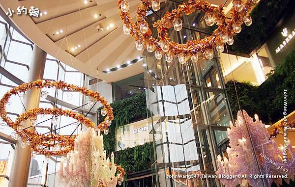Siam Paragon christmas decoration.jpg