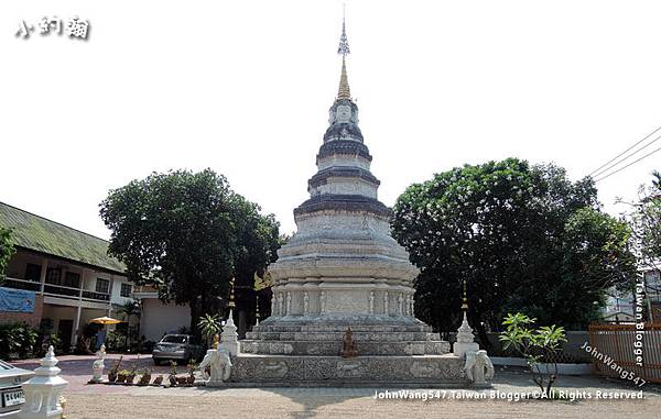 Wat Pan Whaen Chiang Mai.jpg