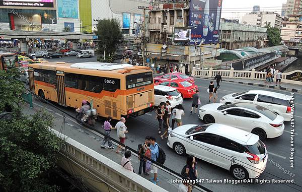 曼谷交通不友善.jpg