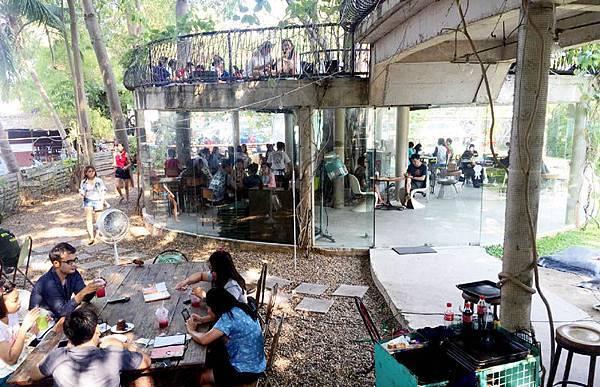 Namon Nomwan Cafe1.jpg