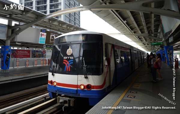 曼谷BTS捷運月台沒冷氣