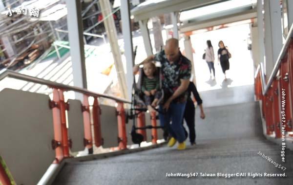 曼谷BTS捷運手扶梯2.jpg
