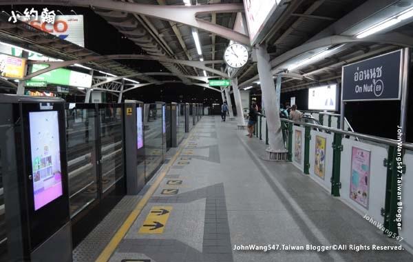 BTS Bangkok曼谷捷運月台2.jpg