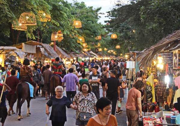 Ayutthaya Night Market大城假日夜市.jpg