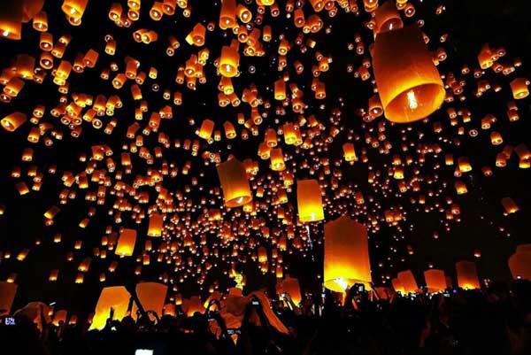 清邁國際萬人天燈節