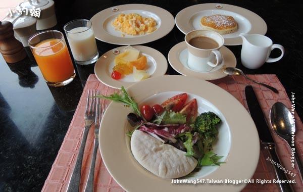 Dhara Dhevi Akaligo Breakfast Buffet.jpg