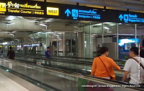 抵達Suvarnabhumi airport曼谷BKK機場2.jpg
