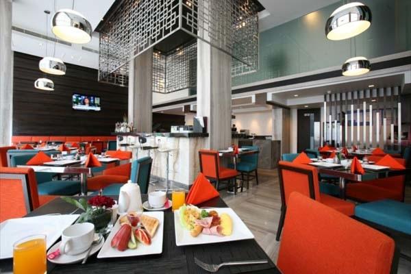 FX Hotel Metrolink Makkasan breakfast.jpg