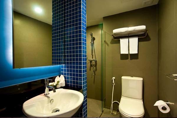 FX Hotel Metrolink Makkasan room2.jpg