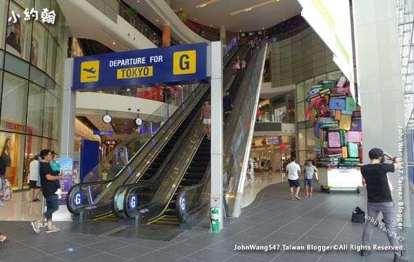 Terminal 21 Pattaya G floor Paris.jpg