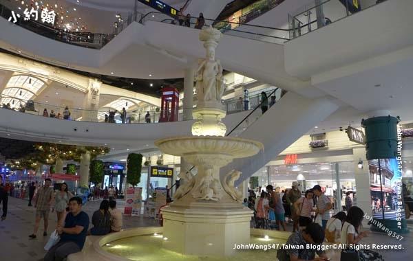 Terminal 21 Pattaya G floor Paris2.jpg
