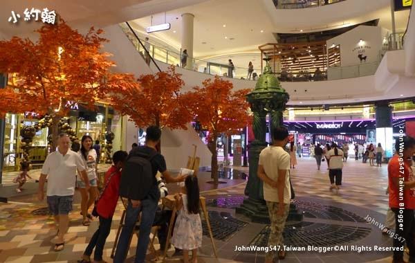 Terminal 21 Pattaya G floor Paris6.jpg
