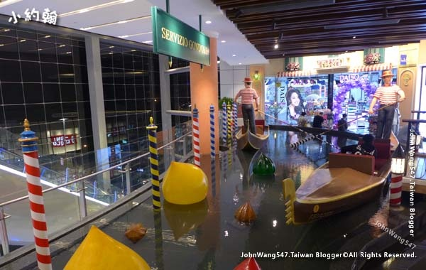 Terminal 21 Pattaya 1floor Italy Servizio Gondole.jpg