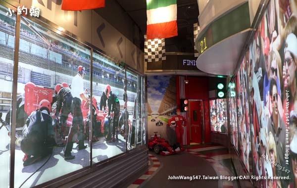 Terminal 21 Pattaya 1floor Italy racing car toliet.jpg