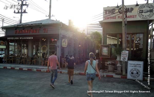 The Camp Vintage Flea Market Jatujak3.jpg