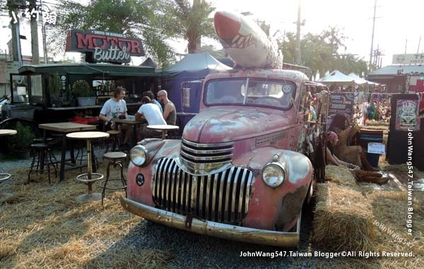 The Camp Vintage Flea Market Jatujak6.jpg