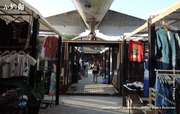 The Camp Vintage Flea Market Jatujak10.jpg