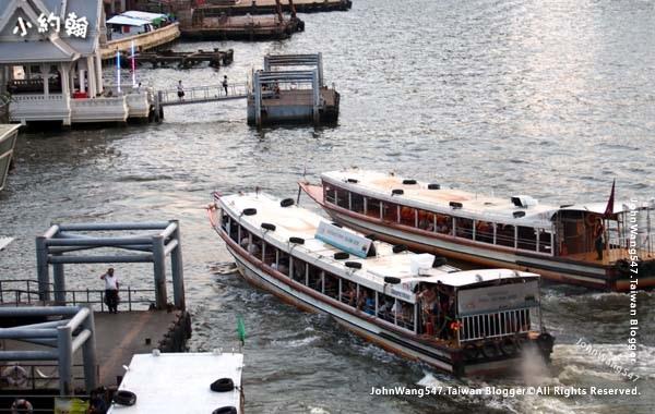 Chao Phraya River Express Boat2.jpg