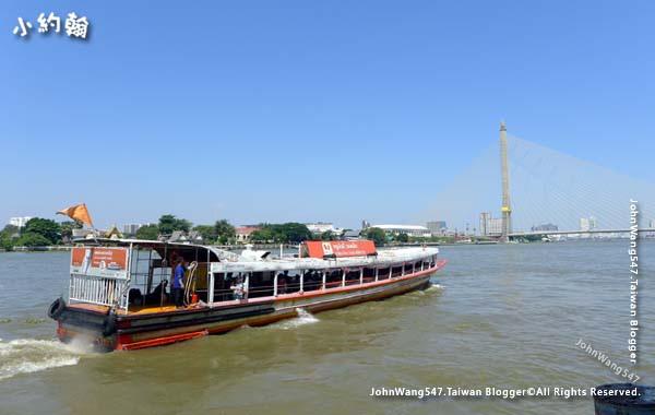 Chao Phraya River Express Boat orange flag2.jpg