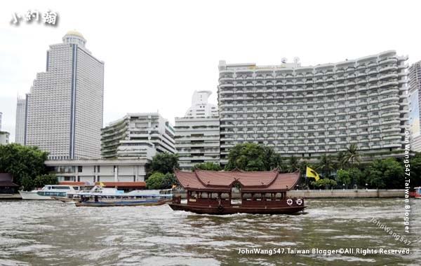 Chao Phraya River hotel ferry