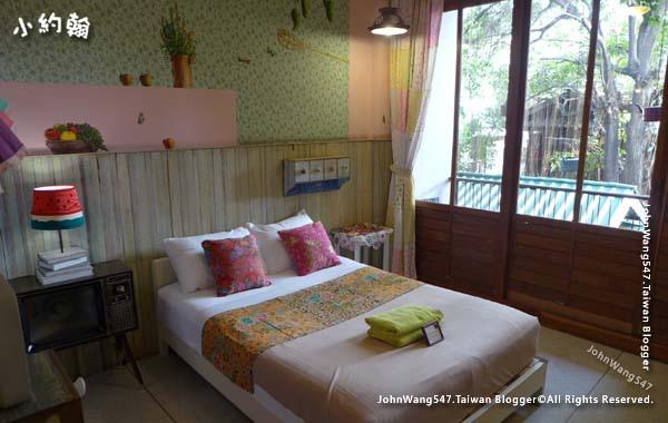 Phranakorn-Nornlen Hotel Bangkok room.jpg