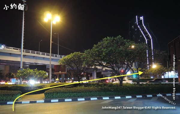 Mrt Samyan exit2.Rama IV Road.jpg